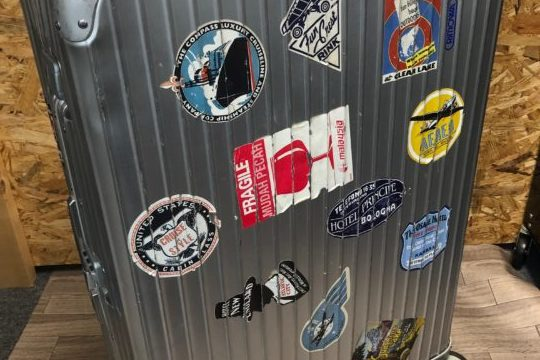 リモワ スーツケース修理