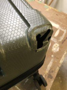 亀裂破損 スーツケース 修理