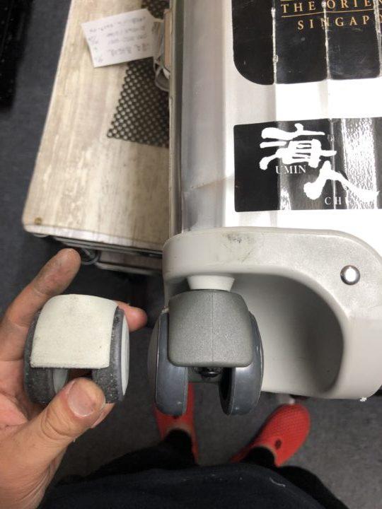 リモワスーツケース修理 スーツケースカスタマイズ