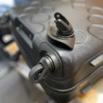 スーツケースタイヤ修理