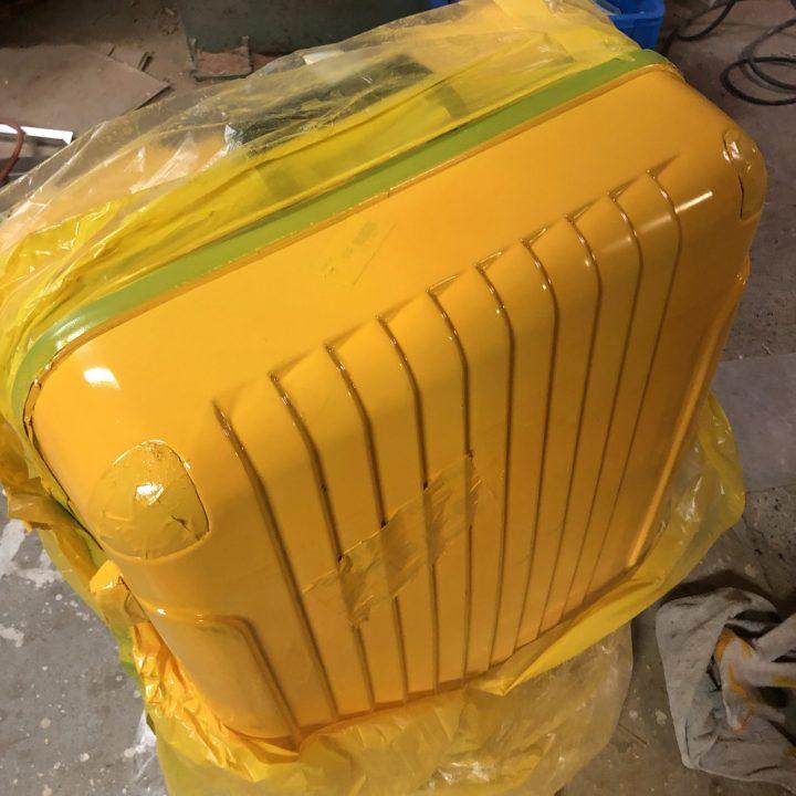 スーツケースの塗装修理