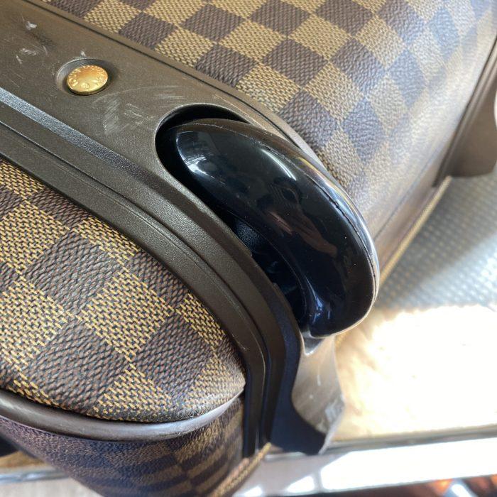 スーツケースキャスター修理
