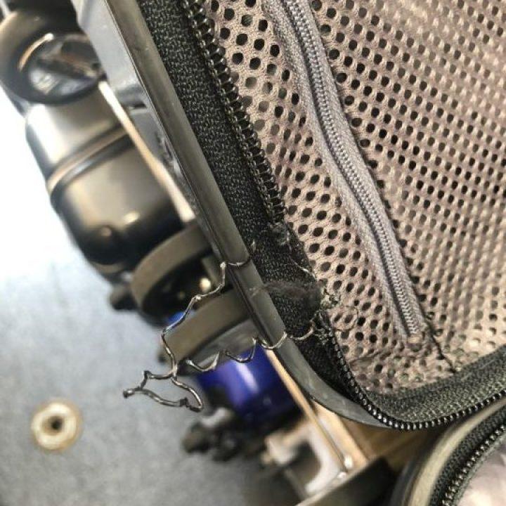 RIMOWAファスナー修理 スーツケース修理